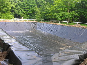 Geomembranes baches pour bassins pbe picardie baches for Bache geomembrane